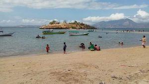 Pantai Lariti, Pantai Baru yang Memikat dari NTB