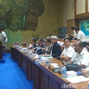 Panggil Inalum dan ESDM, DPR Bahas Divestasi Saham Freeport