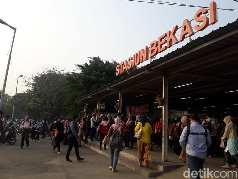 Sempat Buka 12 Loket, Antrean di Stasiun Bekasi Sudah Normal