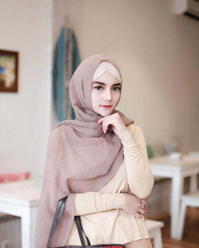 Nabilla Aprillya memutuskan berhijrah belum lama-lama ini. Dok. Instagram/bae_biiiiiii