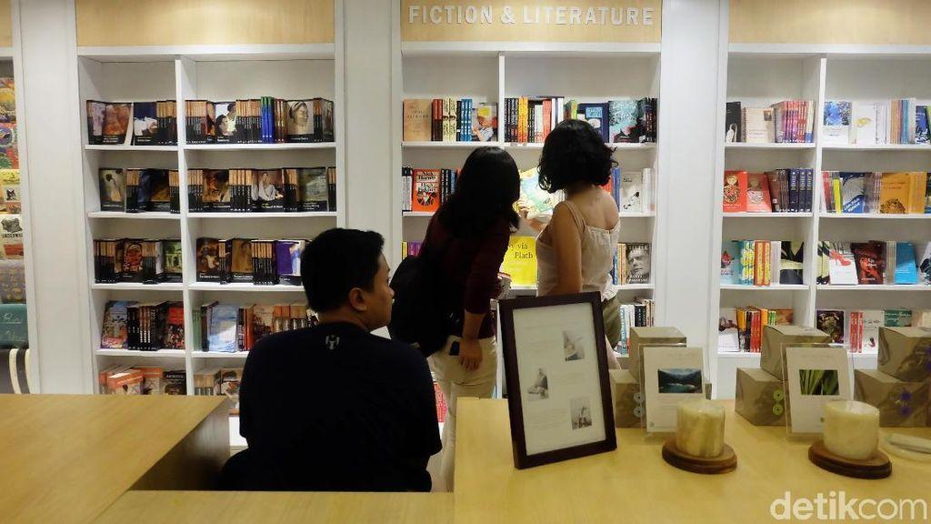 Toko Buku Aksara Terlahir Kembali