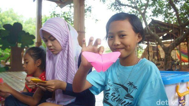 Hari Anak di Jepara; Origami, Wayang Rotan Hingga Bahasa Asing