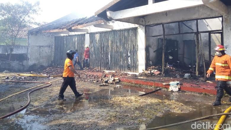 Kebakaran Pabrik Mebel di Sukoharjo Diduga Akibat Sisa Bakar Sampah