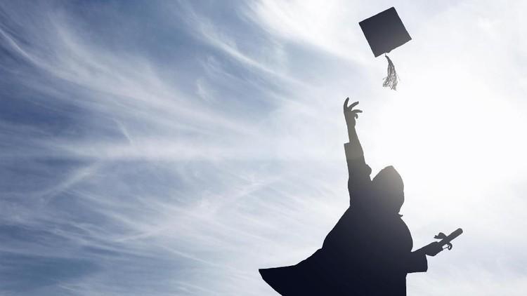 Keren! di Umur 11 Tahun Bocah Ini Sudah Lulus Kuliah