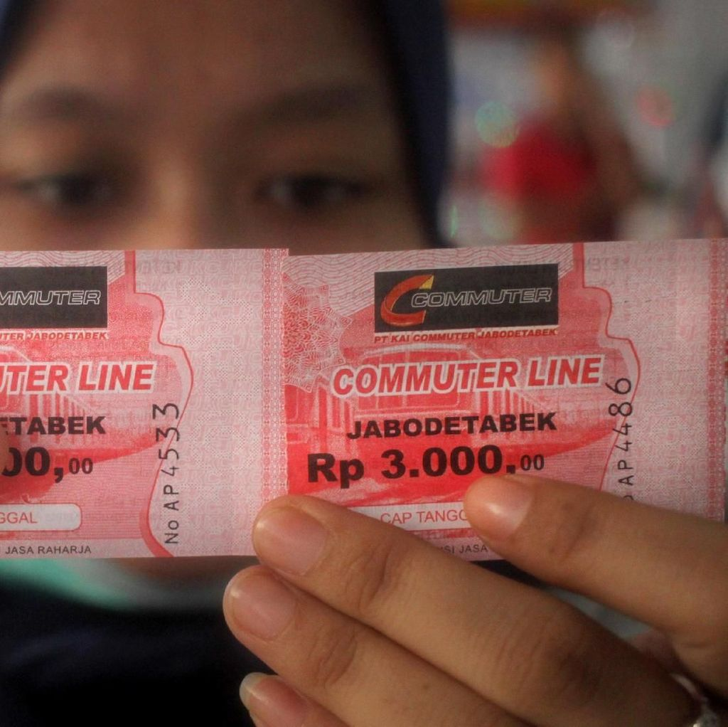 Curhat Antrean Tiket Kertas Commuterline