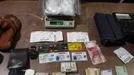 Bawa 1 Kg Sabu dalam Sandal, 2 Orang Ditangkap di Bandara Batam
