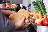 Catat! Sebelum Dimasak, 6 Bahan Makanan Ini Sebaiknya Tidak Dicuci