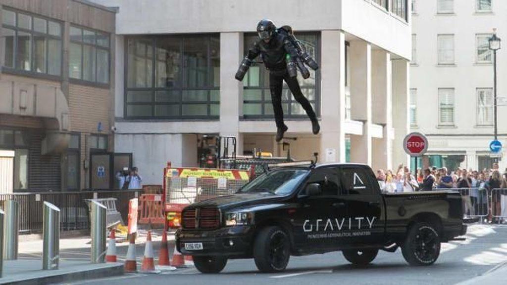 Aksi Iron Man Nyata, Kostumnya Seharga Rp 6,4 M
