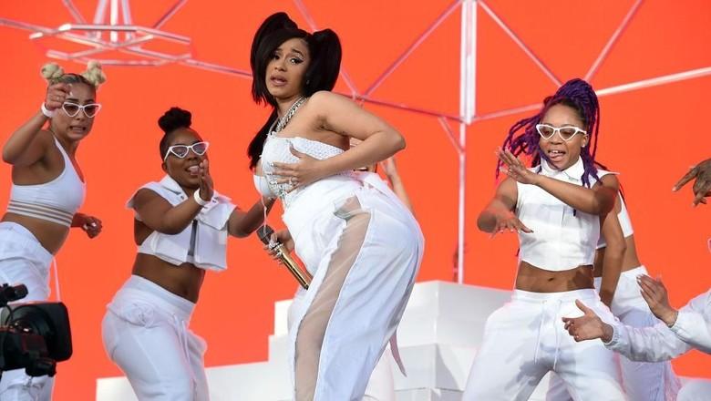 Cardi B berada dalam nominasi terbanyak di MTV VMA tahun ini. Foto: Getty Images