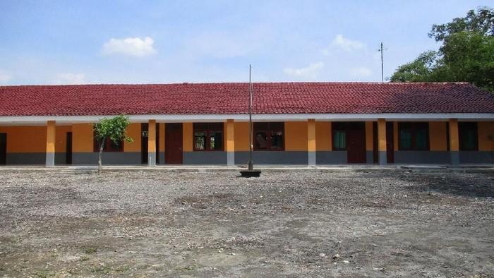 MTs Tarbiyatul Athfal Grobogan setelah mendapatkan bantuan renovasi dari Bank Mega (Foto: dok. Bank Mega)