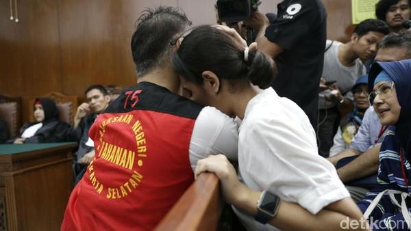 Tio Pakusadewo Divonis Rehabilitasi, Sang Anak Tak Bisa Berkata-kata