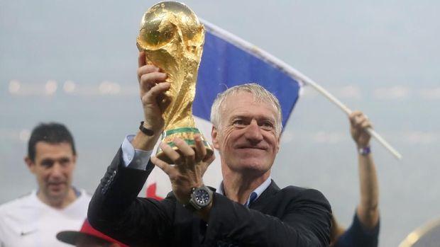 Selain sebagai pelatih, Didier Deschamps juga pernah juara Piala Dunia saat sebagai pemain.