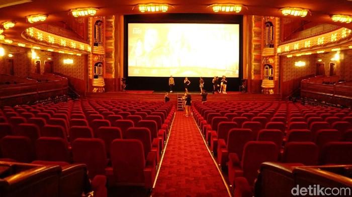 Tampilan Bioskop Pathe Tuschinski Untuk Pemutaran Trailler Si DOel Movie