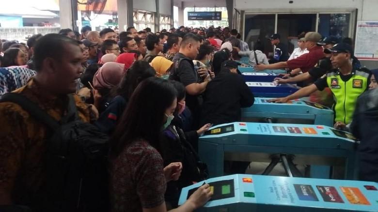 Kartu Multi Trip KRL Bakal Terintegrasi dengan Transportasi Lain