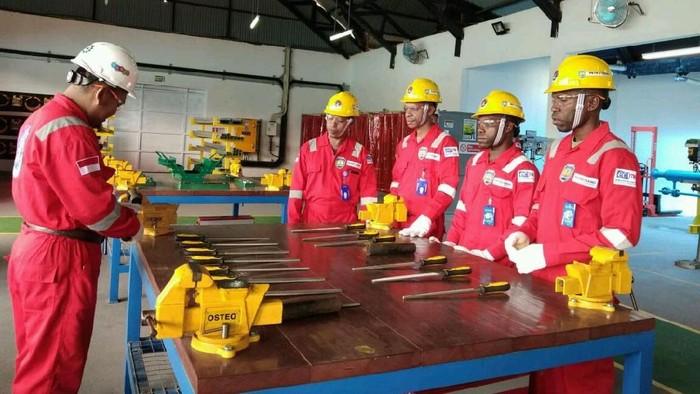 Sesuai dengan nawa cita, Pusat Pelatihan Teknik Industri dan Migas Teluk Bintuni (P2TIM-TB) bertaraf Internasional kini resmi digunakan.