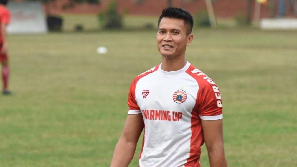 Libur Lebaran Bukan Berarti Absen Latihan Bagi Kiper Persija Jakarta