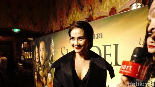 Gaya Seksi Maudy Jaenab Koesnaedi dan Para Bintang Si Doel