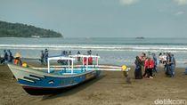Gelombang Tinggi, Nelayan di Pangandaran Diminta Tidak Melaut