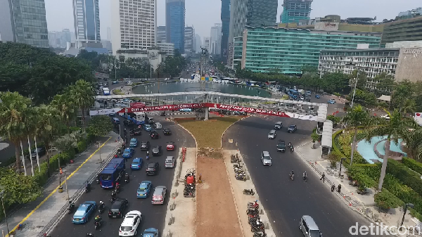 Ada Perobohan JPO Bundaran HI, Rute TransJ Blok M-Kota Dialihkan