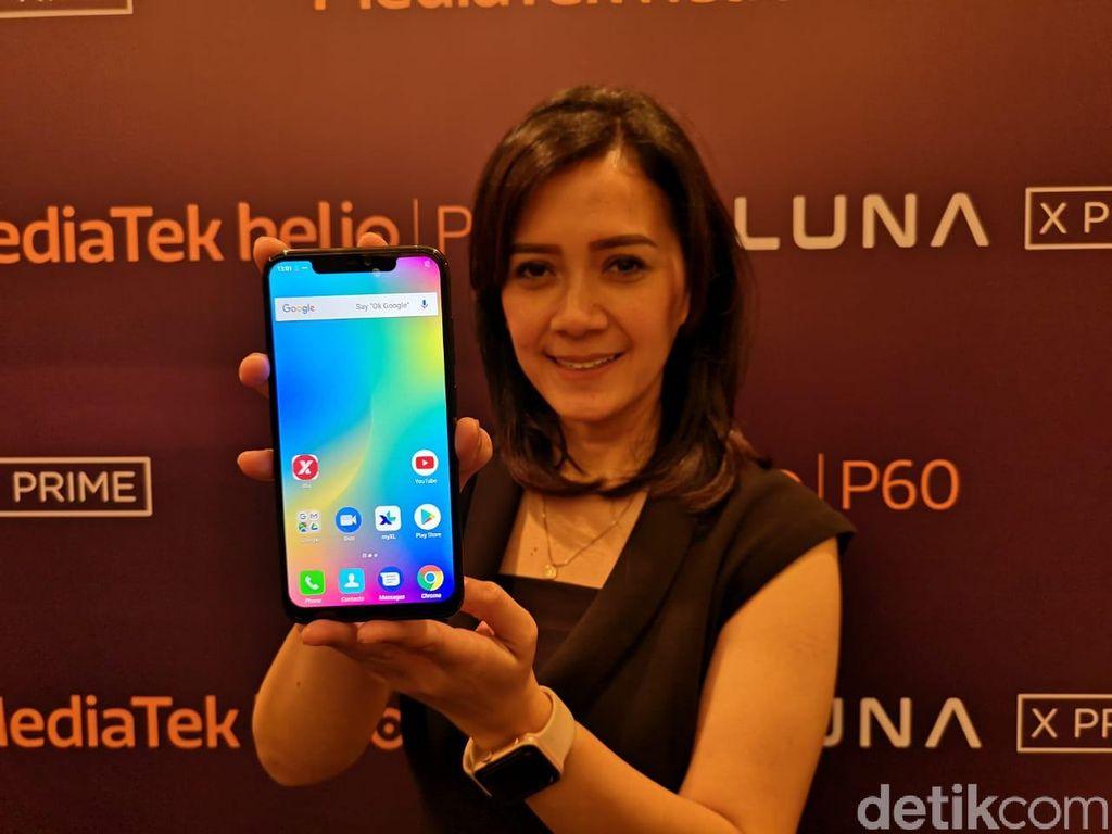 Dibanderol harga Rp 3.999.000, Luna X Prime disebut mengincar segmen pasar smartphone menengah ke atas. Meski memiliki banderolan harga menengah, Luna X Prime memiliki fitur-fitur yang diemban ponsel kelas premium. Foto: Muhammad Alif Goenawan/detikINET