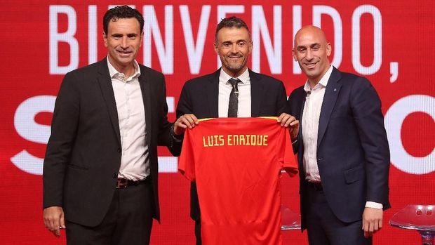 Sudah tiga pertandingan Enrique tidak panggil Alba ke timnas Spanyol.