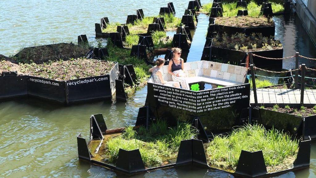Di Belanda, Sampah Daur Ulang Jadi Taman Terapung yang Keren
