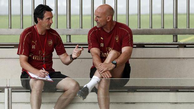 Unai Emery diharapkan bisa beradaptasi dengan cepat di Liga Inggris.
