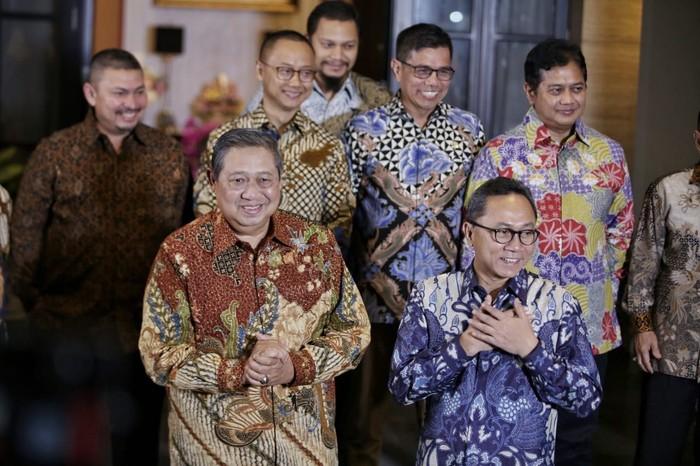 Ketua Umum Partai Demokrat SBY saat bertemu dengan Ketum PAN Zulkifli Hasan. (Abror Rizki/tim SBY)