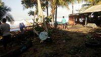 Gelombang Tinggi Hantam Pacitan Lagi, Kios Cetak Foto Menghilang