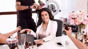 Wajah Cantik di Balik Bisnis Kosmetik Triliunan Rupiah