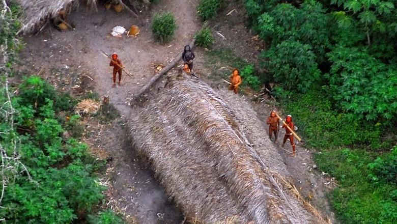 Suku-suku di Pedalaman Amazon yang belum tersentuh (Reuters)