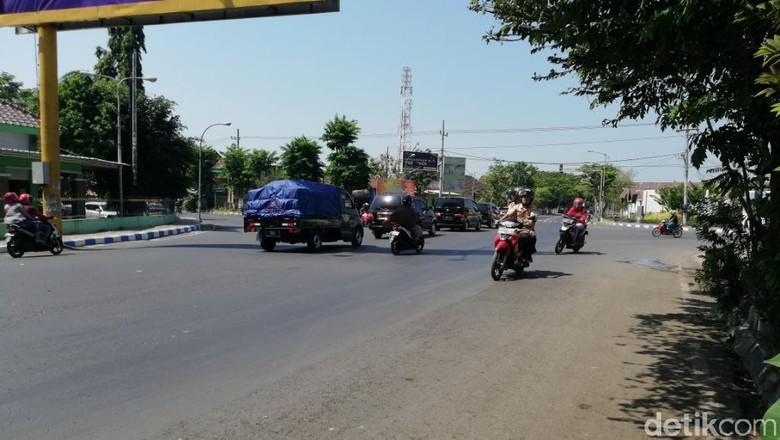 Kekacauan Lalin di Perempatan Purutrejo Dampak Tol Gempol-Pasuruan