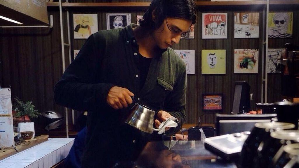 Yuk, Kenalan dengan Daniel Adnan, Aktor Pendatang Baru yang Hobi Ngopi