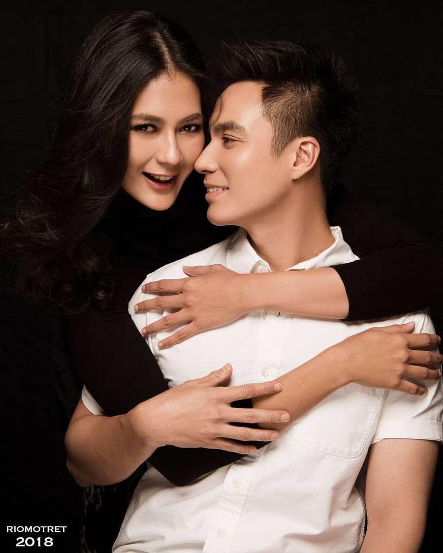 Baim Wong dan Paula Verhoeven Foto Prewedding di Bulan