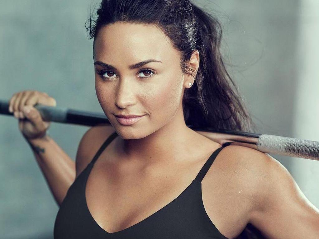 Jalani Rehab Setelah Overdosis, Demi Lovato Makin Kurus