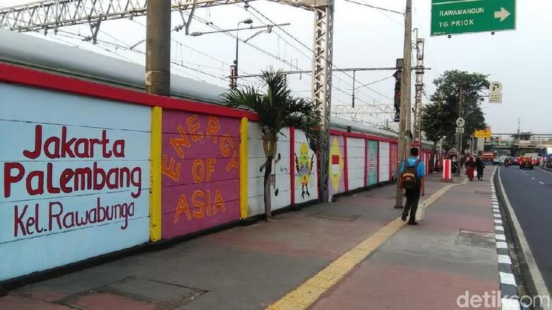 Cerita Pasukan Oranye Jatinegara Bikin Mural Asian Games