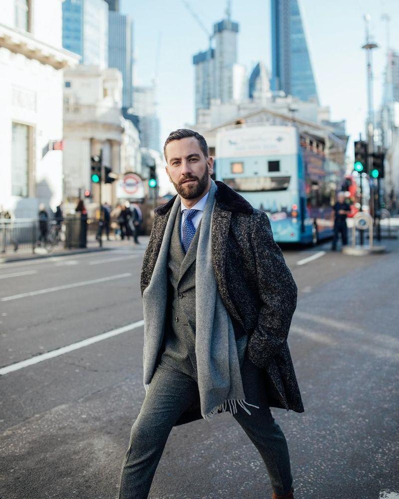 Matthew Zorpas merupakan fashion blogger asal London. (matthewzorpas/Instagram)