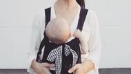 Praktis Untuk Para Ibu, Overall Ini Bisa Sekaligus Jadi Gendongan Bayi