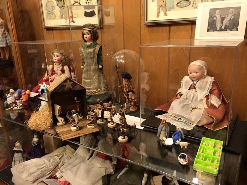 Aunt Claudias Dolls merupakan koleksi boneka yang dikumpulkan Claudia Kelsey. Kini koleksi tersebut dijadikan sebuah museum. (Aunt Claudias Dolls/Facebook)