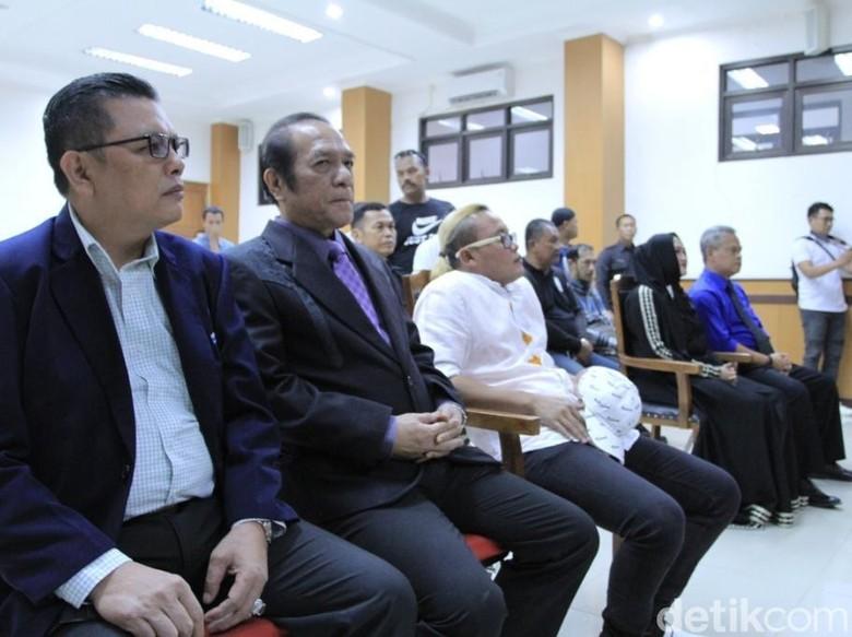 Sule Digugat Cerai, Enam Orang Saksi Dihadirkan
