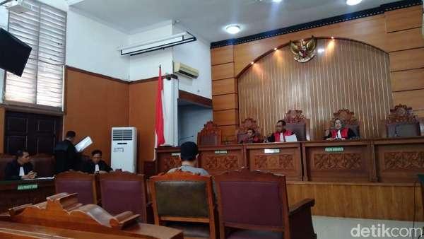 Jaksa Tuntut JAD Dibekukan dan Didenda Rp 5 Juta