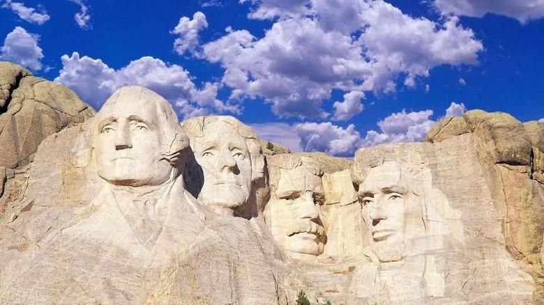 Daki Gunung '4 Presiden AS', Pria 19 Tahun Didenda Rp 14 Juta