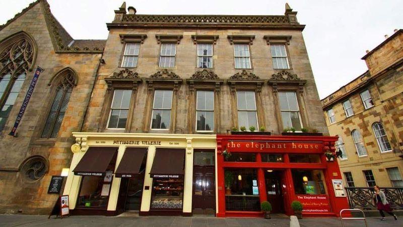 Inilah The Elephant House, kafe yang jadi tempat menulis cerita Harry Potter oleh JK Rowling (Elephant House/Facebook)