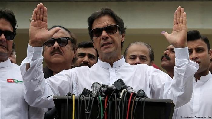Imran Khan Janjikan Reformasi Luas, Keluarga Sharif Protes Hasil Pemilu