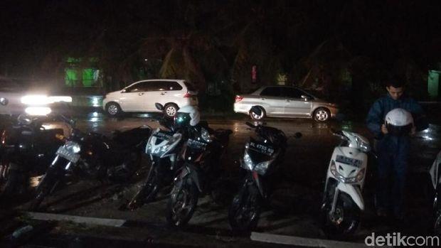 Suasana di Banda Aceh usai hujan gerimis