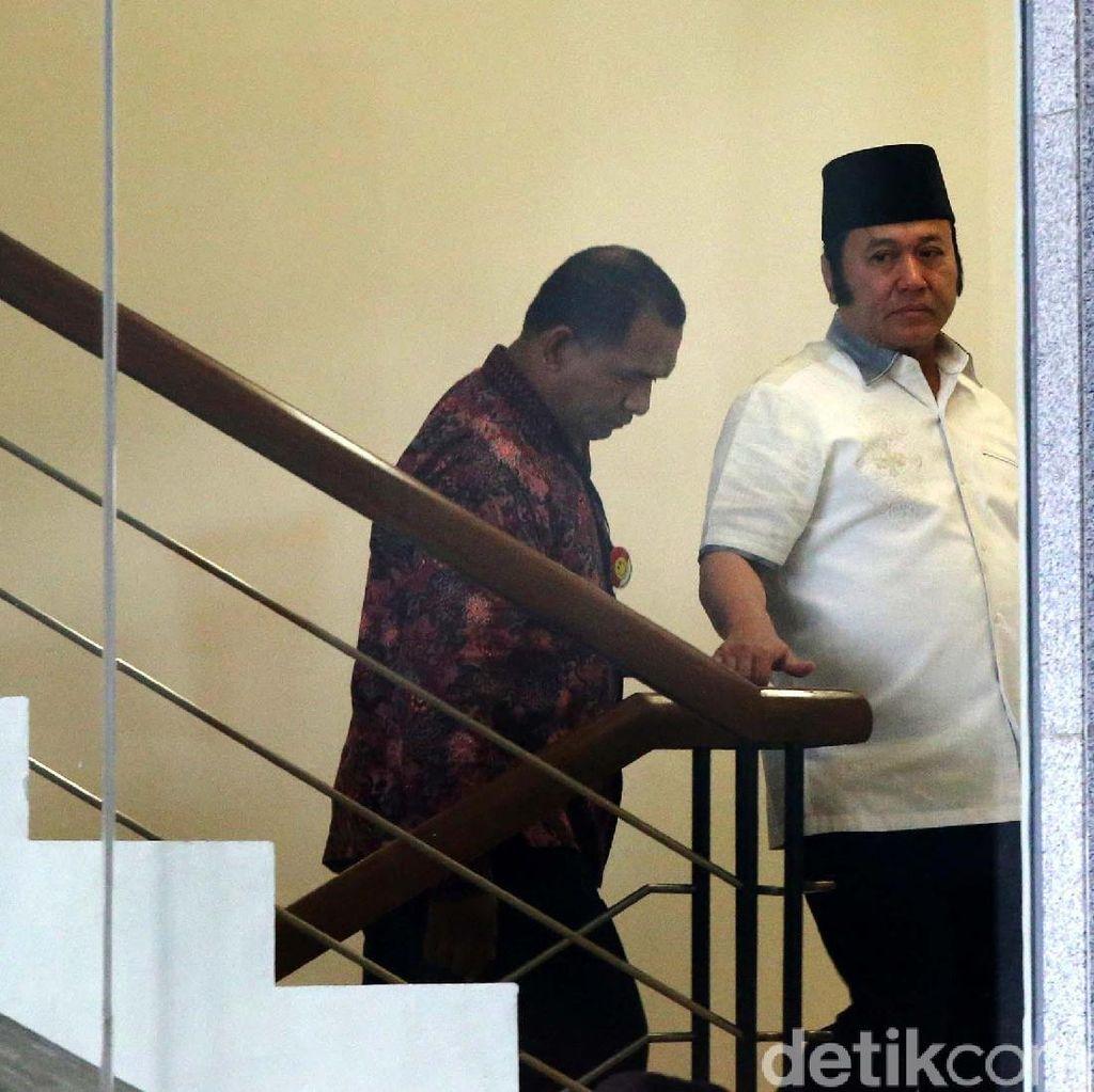 Duit Suap Bupati Zainudin untuk Bangun Masjid, PAN Hingga Servis Kapal Pesiar