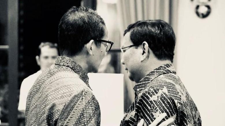 Sandiaga Tiba di Kertanegara, Simpatisan Prabowo Tepuk Tangan