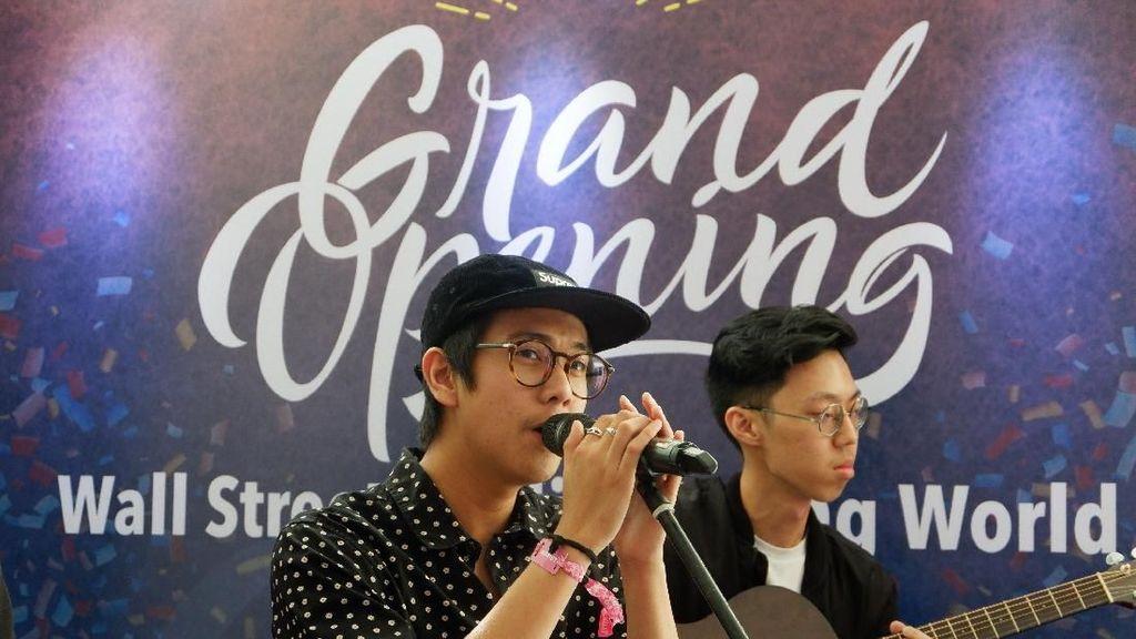 Iqbaal Ramadhan Ingatkan Pentingnya Kuasai Bahasa Asing