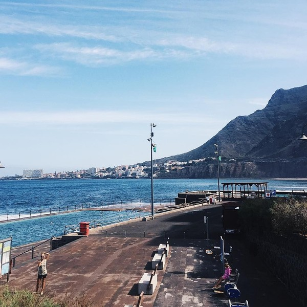 Kalau yang ini si cantik Ceyco sedang menikati pati eksotis di suatu pulau Spanyol di sebelah barat laut Afrika, Bajamar (ceycogeorgia/Instagram)
