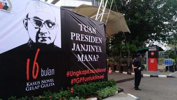 Spanduk Tuan Presiden Janjinya Mana? Siap Sambut Novel di KPK